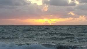 Hav og solnedgang